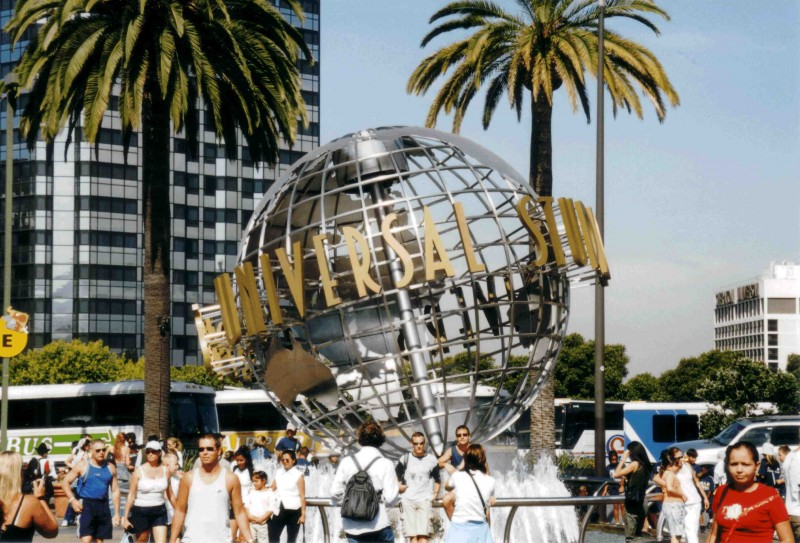Universal Pictures Globus